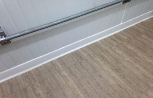 Barredera de PVC blanca LEVEN PVC